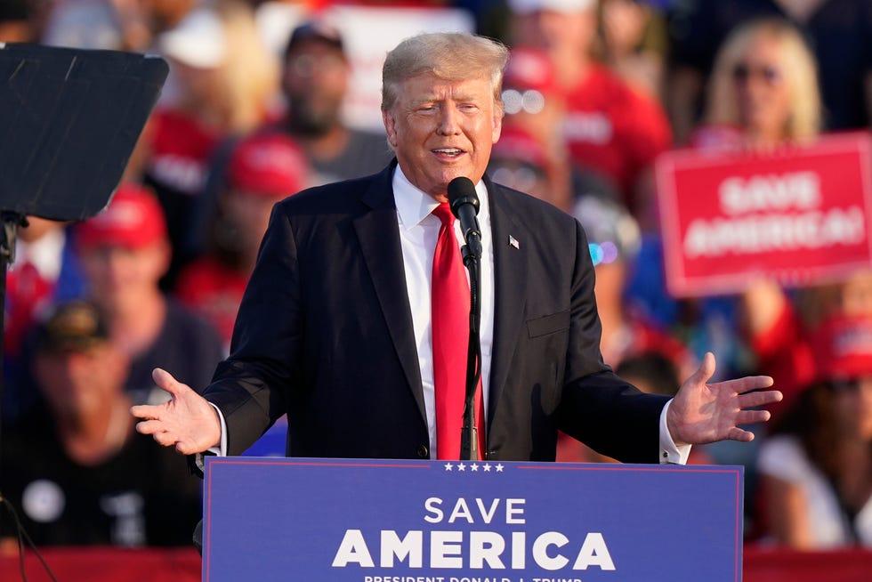 Buvęs JAV prezidentas D. Trumpas ir toliau nenori atskleisti mokesčių deklaracijų: įtariami galimi pažeidimai