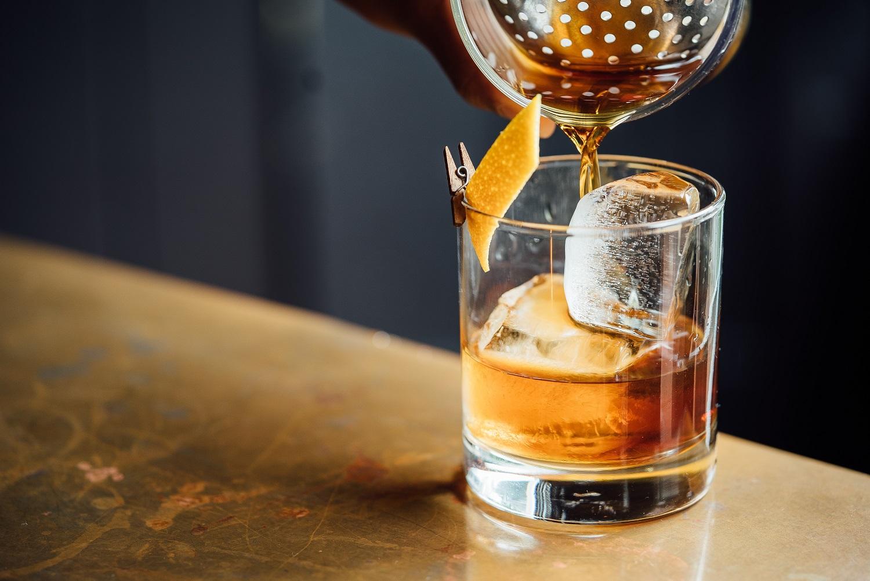 Alkoholio vartojimo transformacijos: vartotojų skaičius auga, vartojimo dažnumas mažėja