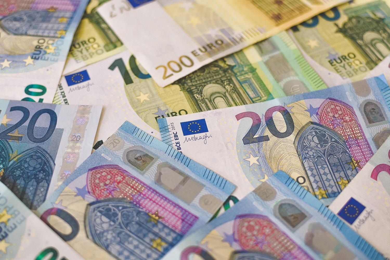 Kitąmet siūloma MMA didinti iki 730 eurų
