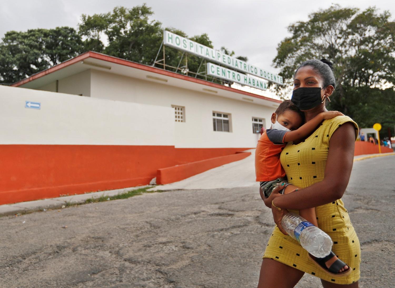 Kuba pirmoji pasaulyje pradėjo mažų vaikų vakcinaciją nuo COVID-19: naudoja nepripažintas vakcinas