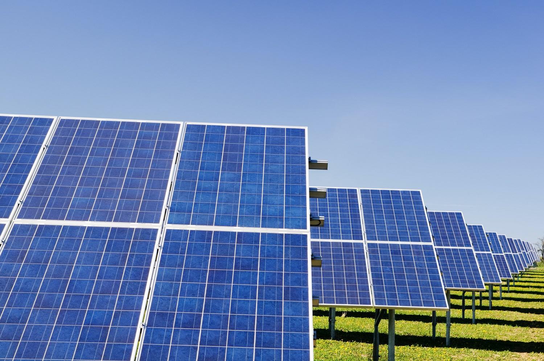 JAV nori iki 2050 metų beveik pusę elektros gaminti iš saulės energijos