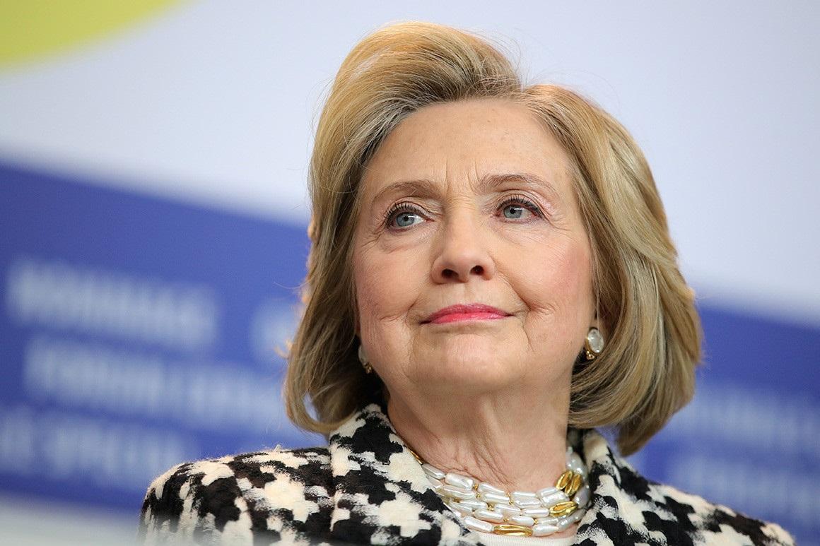 H. Clinton: tiek negyvensiu, kad sulaukčiau tikros lyčių lygybės