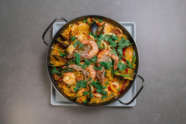 Ispaniškoji paelija – valstiečių patiekalas, užkariavęs visą Europą