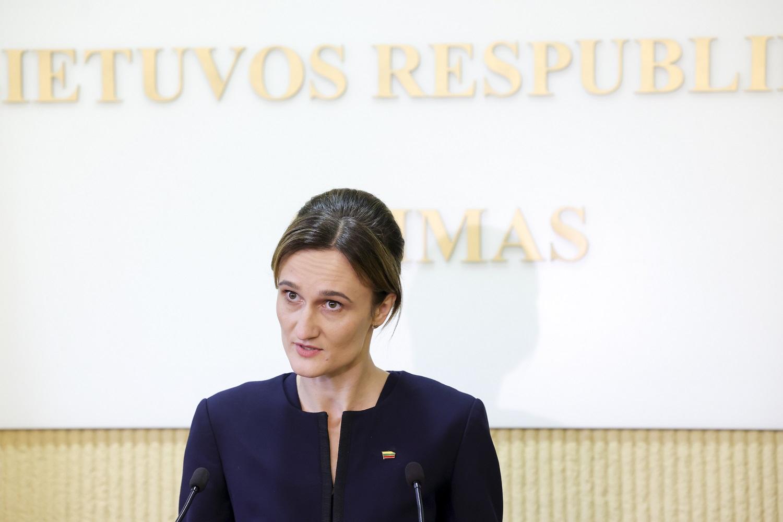 4 darbo dienų savaitę valstybės tarnautojams pasiūliusi V. Čmilytė-Nielsen diskriminacijos kitų atžvilgiu nemato