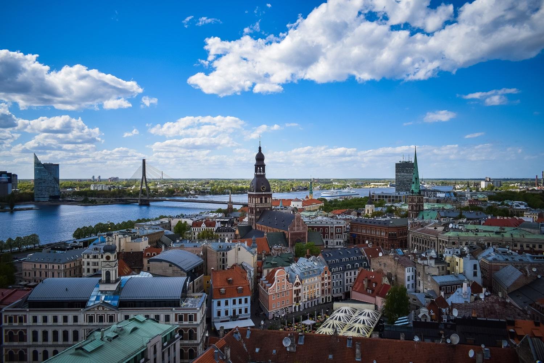 Pagal sergamumo augimą pasaulyje pirmaujanti Latvija įveda karantiną