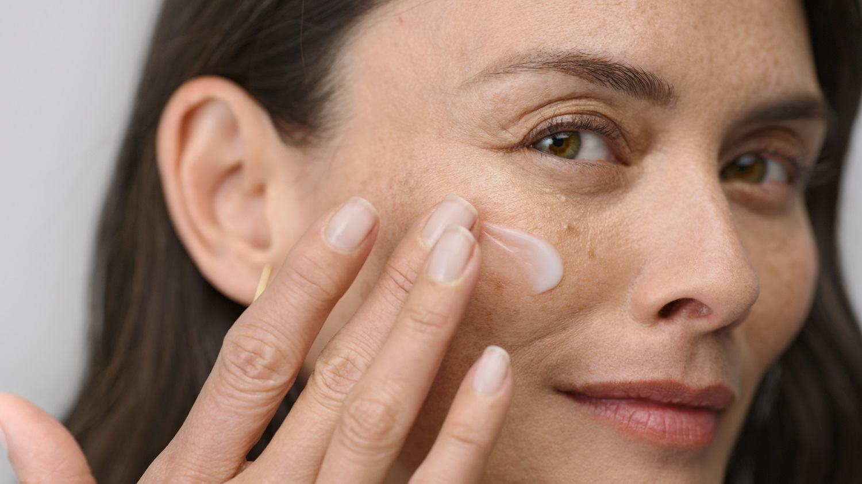 Specialistės patarimai: kaip tinkamai prižiūrėti odą menopauzės metu?