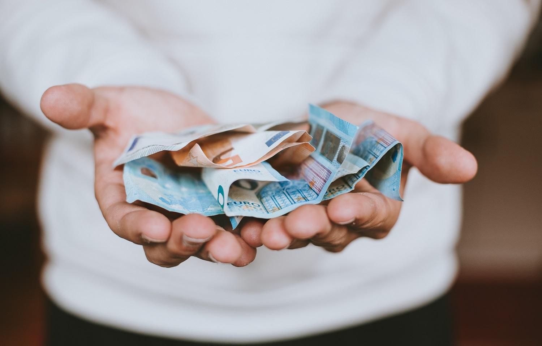 Pinigų psichologija: ar paskola gali padėti išmokti valdyti finansus?