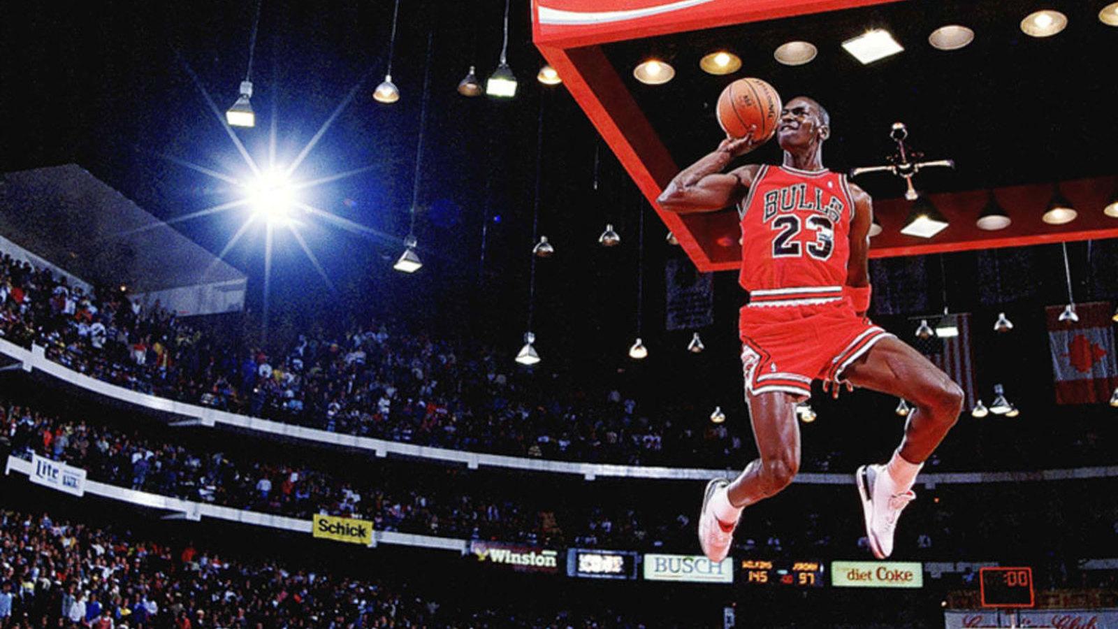 M. Jordano sportbačiai aukcione parduoti už beveik 1,5 mln. dolerių