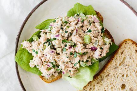 Greita ir skanu: sumuštiniai su tunu (video)